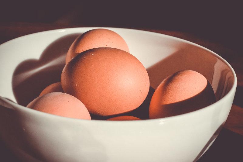 Eier in Schüssel