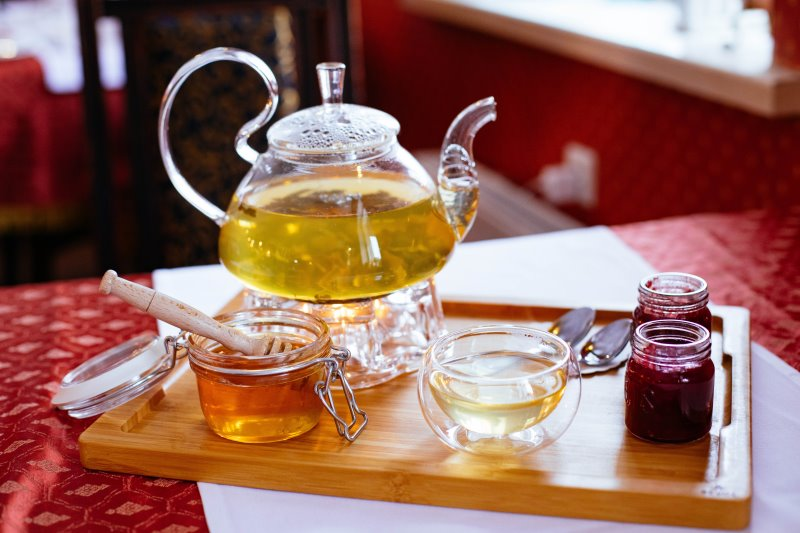 Teekanne mit Stövchen