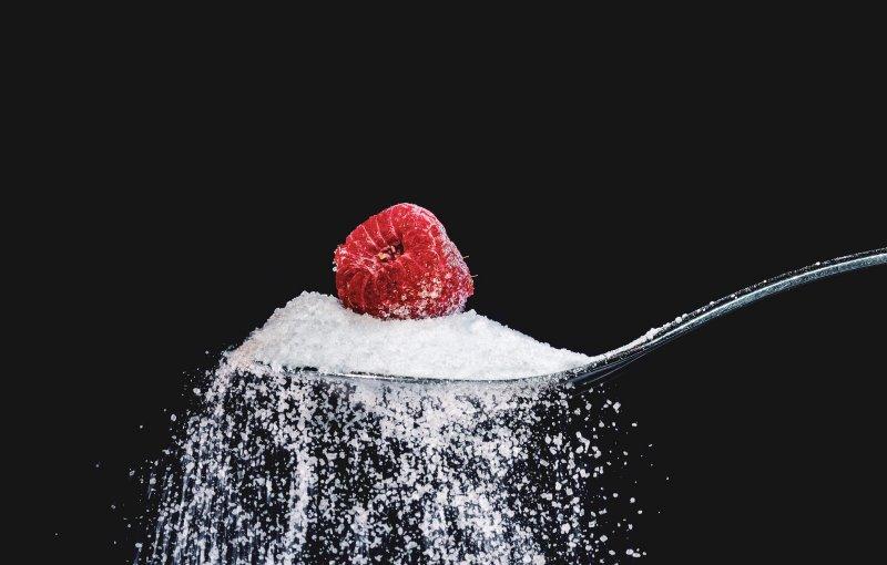 Füge auch beim Saft aus dem Dampfentsafter ein wenig Zucker hinzu, um den Geschmack zu verbessern.