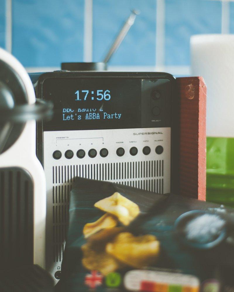 Das Küchenradio mitten im Geschen